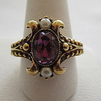 Purple Rhinestone and Pearl Avon Signed Vintage Ring Size 7