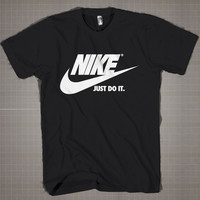 NIKE LOGO  Mens and Women T-Shirt Available Color Black And White