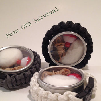 Survival Tin & 550 Paracord Bracelet Set: Every Day Carry