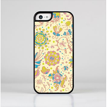 The Subtle Yellow & Pink Sketched Lace Patterns v21 Skin-Sert for the Apple iPhone 5c Skin-Sert Case
