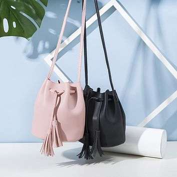 Women PU Leather Bucket Bag Crossbody Bags for Lady Shoulder Handbags Tassel Drawstring Bag