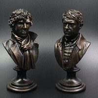 2Pcs/lot Watson Sherlock Holmes Craft Souvenir Bust Resin Statue Action Figure Doll Resin Benedict Cumberbatch  desk decoration