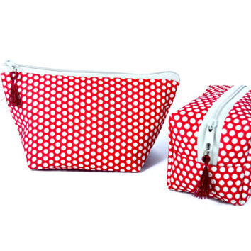 Polka dots makeup bag // Red cosmetic bag // Makeup storage // Zipper pouch // Polka dots gift for her// Makeup pouch // Makeup organizer