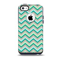 The Vintage Subtle Greens Chevron Pattern Skin for the iPhone 5c OtterBox Commuter Case