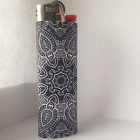 Black & White Boho Trippy Mandala Pattern Full Size Lighter
