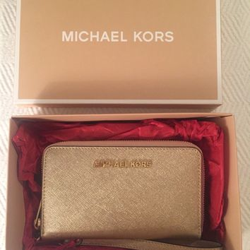 Michael Kors Jet Set Travel Smartphone Wristlet Wallet