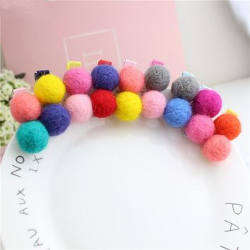 Boutique 50pcs Fashion Cute Candy Color Felt Pom Pom Balls Hairpins Solid Kawaii Color Ball Hair Clips Headware Accessories