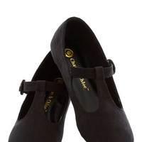 Doll Over Town Flat in Black