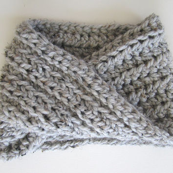 Chunky Rib Crochet Infinity Cowl Neckwarmer Scarf / PERFECT LITTLE TWIST