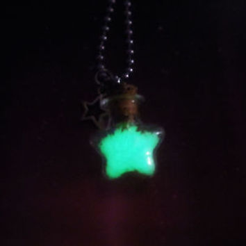Glowing Stars in a Bottle Vial Necklace - Wish upon a star - Glow in the Dark Luminous Star - Lucky Charm