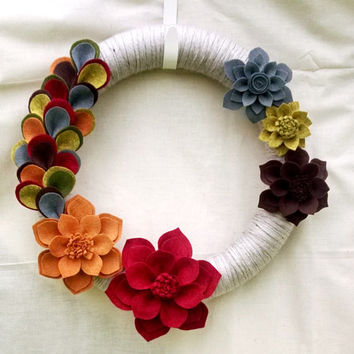 Fall felt flower wreath, wool felt flower, fall yarn wreath, rainbow, mantel decor, home decor, door decor, autumn wreath, READY TO SHIP,