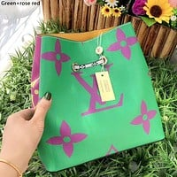 LV ONTHEGO 2019 new color matching one-shoulder mobile shopping bag Green+rose red