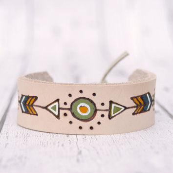 Leather Bracelet for Him, Unisex Hippie Bracelet, Unisex gift , Boyfriend gift , Leather pyrograved bracelet , Mens bracelet , gift for him