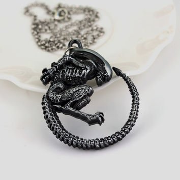 Warrior Alien Metal Goth Has Giger Cool Pendant Alloy Necklace Gift For Fans Movie Jewelry Free Shipping