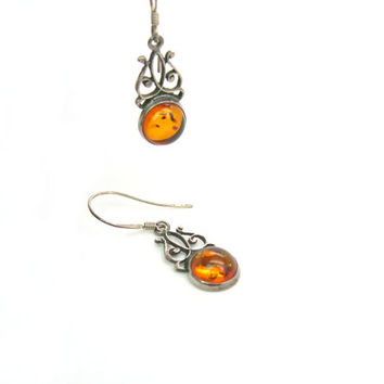 Amber Earrings. Sterling Silver Flourishes. Baltic Amber Jewelry. Gemstone Cabochons w/ Inclusions. Pierced Dangles. Vintage 1980s.