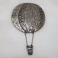 Hot Air Balloon Pin, Hot Air Balloon Brooch, Dangling Basket, Textured Silver Tone Brooch, Around The World in Eighty Days 217