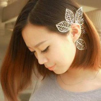 Silver Leaves Single Ear Cuff | LilyFair Jewelry