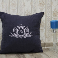 Lotus Flower Pillow Covers Om Sign Yoga Meditation Pillowcase Decorative Pillow Cover Home Decor Throw Pillows Yoga Studio Decor Gift V19