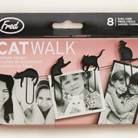 Aerie 's Fred & Friends Cat Walk Picture Hanger (Strawberry Ice)
