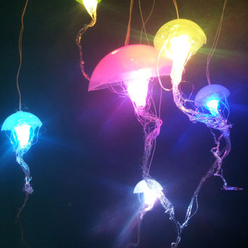 Jellyfish Hanging Lights With Rainbow Fading LEDs