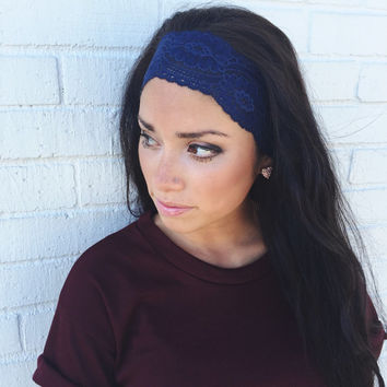 Yoga Headband in Navy Flower Lace
