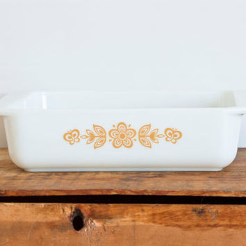 Vintage Pyrex Butterfly Gold 8x8 Casserole Baking Dish, Square Brownie Pan, Harvest Gold Daisy