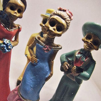 Día de los Muertos Miniature - Boho Mexican Altar - Sugar Skull Ceramic Skeleton Dolls - Day Of the Dead Decor - Mexican Art