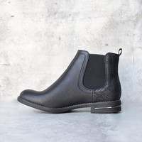 chelsea ankle boot - black