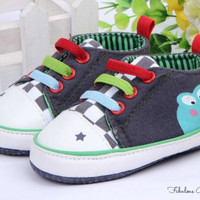 Baby Boys Frog design shoes