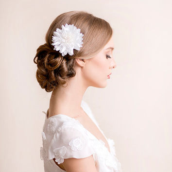 Bridal Hair Flower Dahlia - Bridal Silk Flower Hair Clip - Wedding Hair Flower - Bridal Hair Piece Dahlia - Ivory, white
