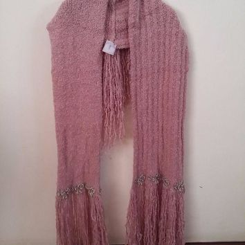 LMFMS6 Chanel Pink Wool Cashmere Knit Embellished Pearl & Beaded Long Fringe Scarf