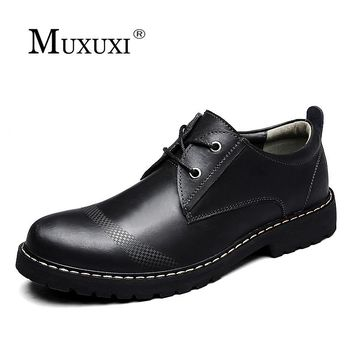 2018 Brand Men Shoes Men Patent Leather Shoes Classic Oxford Shoes For Men New Fashion Men's Spring and Autumn England bo