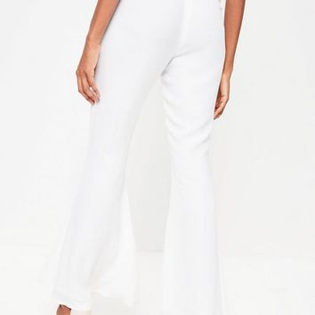 Missguided - Petite White Kick Flare Pants