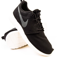 Nike Roshe Run Black/Sail/Anthracite Sneaker