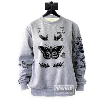 Felpa Tatuaggi Harry Style Tattoos Sweatshirt Updated Tattoos Crew Neck Shirt ADD STYLES 94 – Size S M L XL