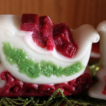 Santa's Sleigh - A decorative vanilla pomagrante bath bar for the holidays