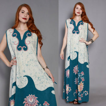 60s ETHNIC Batik WAVES DRESS / 1960s Bohemian Cotton Loose Fit Cover-Up Caftan