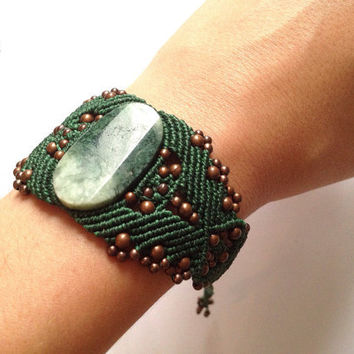 Handwoven hippie-chic elvish green apple jade bracelet boho bohemian gypsy stone celtic