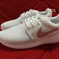Nike Roshe One (White/Metallic Silver)