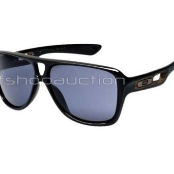 Oakley OO 9150-01 DISPATCH II 2 Polished Black Grey Mens Sport Sunglasses .
