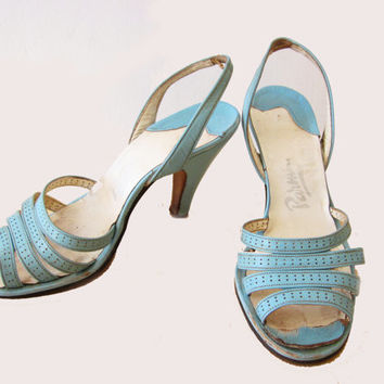 Amazing 1950 French vintage Baby blue pin-up shoes size 5