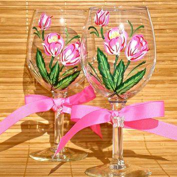Wine Glasses With Pink and Red Tulips