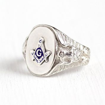 Vintage Mason Ring - Sterling Silver Masonic Repousse Eagle Signet - Men's Size 9 Freemason Letter G Blue Enamel Square Compass 40s Jewelry