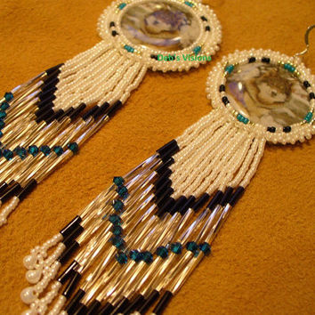 Rosette style beaded Wolf in snow earrings