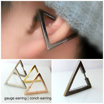 Conch Earring Triangle - Gauge Earring - Ear Cartilage Piercing - Customization Available - 14g 16g 18g 20g pin - Single Earring
