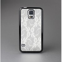 The White Floral Lace Skin-Sert Case for the Samsung Galaxy S5