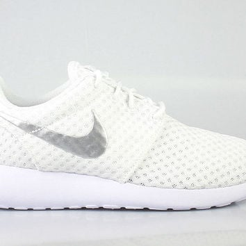 Nike Women s Roshe Run One Breeze White Metallic Platinum c50a55b77c9f