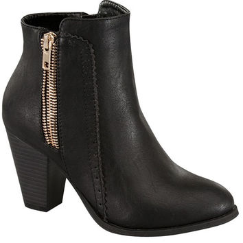 Side Zipper Black Leather Bootie