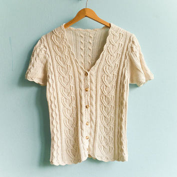 Vintage ivory cream top blouse / buttoned / short by moonandsoda