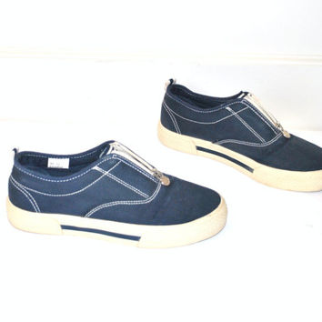 size 8 CANVAS platform sneakers / vintage early 90s GRUNGE navy blue NAUTICAL slip on boat shoes